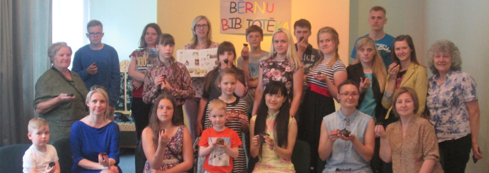 Chinese teacher from Confucius Classroom in Rezekne University held a tea culture lecture at Rezekne Youth Library