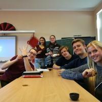 拉脱维亚大学孔子课堂的大孩子们欢庆中秋