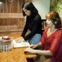 雷泽克内大学孔子课堂举办冬至包饺子活动