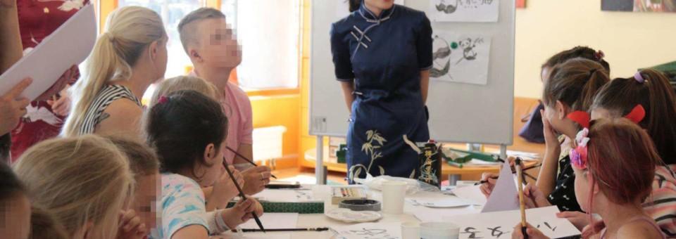 "Riga Children's Hospital successfully held the ""Creative Hand Painting- Panda "" activity"