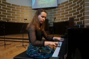 孔院初级班学生安娜的钢琴独奏